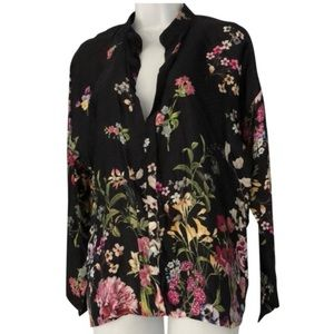NWT silk blouse by Lola made in Italy